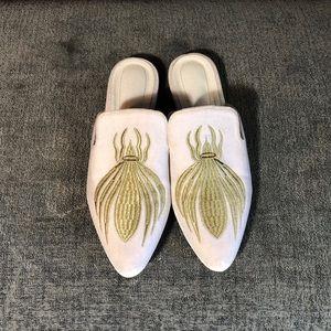 Shoes - Slides Bug Velvet Gold Embroidered 7 shoes